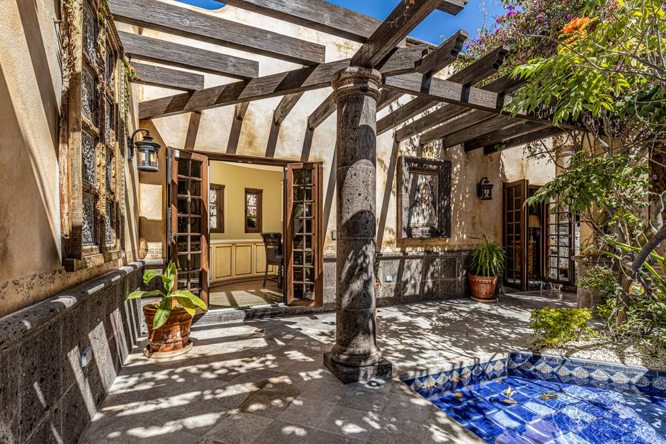 property Luxury Single Level, Villa De Paz 1448